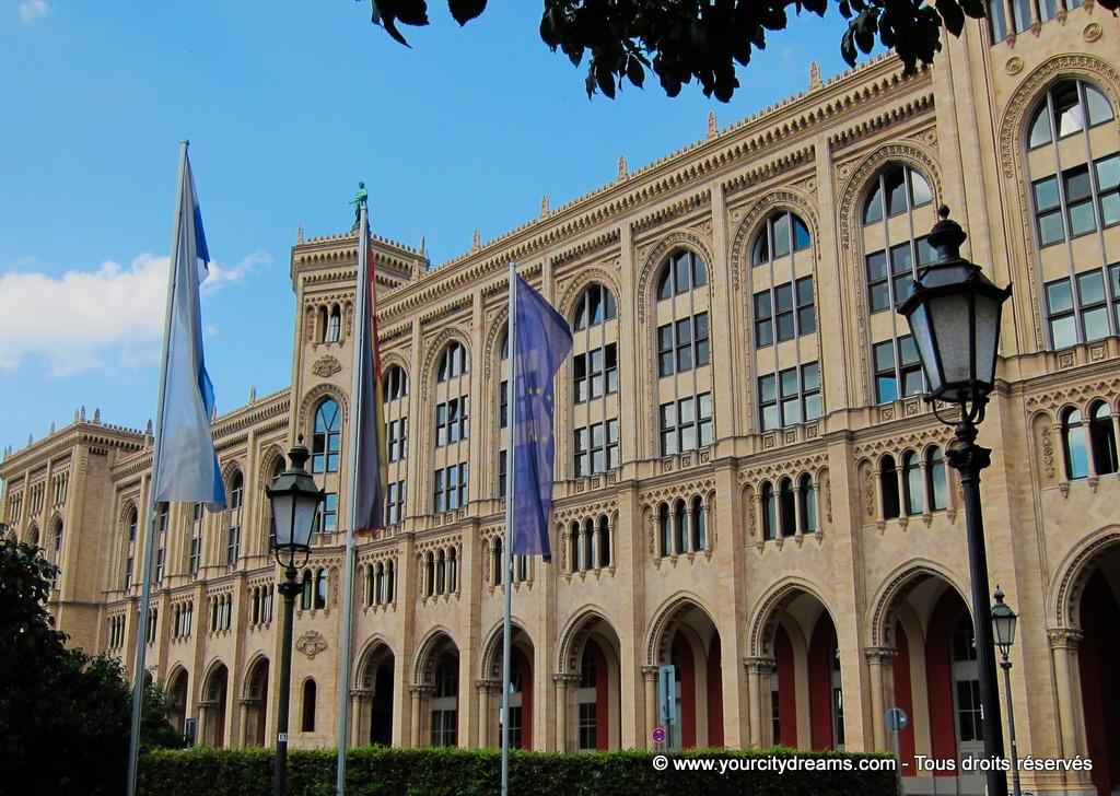 La ville dispose de nombreux batiments à l'architecture magnifique.