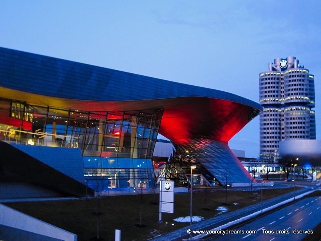 Le BMW Welt et la tour BMW