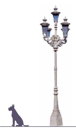 Poste LAFAYETTE,  fabricado en fundición de aluminio en su totalidad, con faldón de 1.30 metros de altura dando un toque especial para cubrir el ancla con ménsula en fundición de aluminio para soportar 5 luminarias modelo Imperial. Dilae