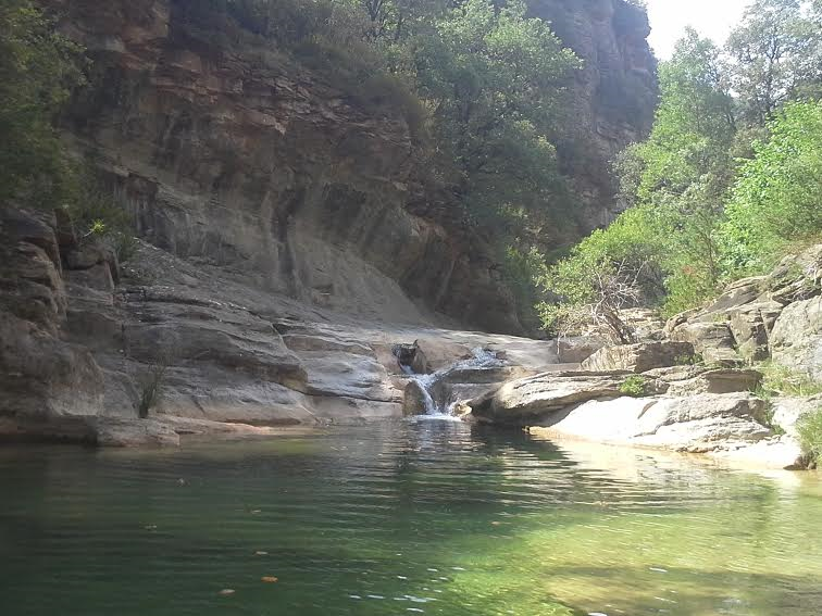 SEJOUR ZEN EN ARAGON sierra de guara nocito bien-etre piscine naturelle marche consciente soins holistiques respiration naturisme ressourcement