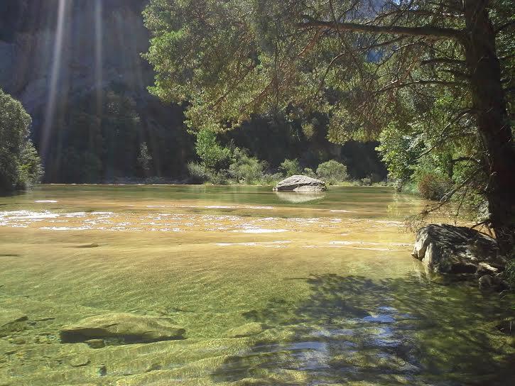 séjour zen en Aragon pyrénées sierra de guara nocito naturisme sauvage bien-être piscine naturelle marche consciente chamanisme thérapie holistique élémentaux ressourcements