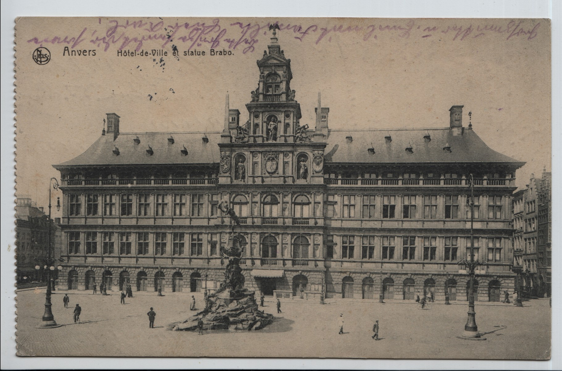 17. Anvers town hall and Brabo statue