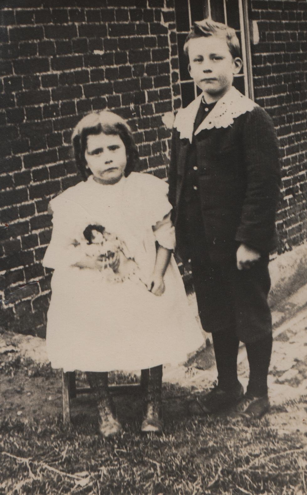 Douglas and Bettine Hodson c 1933