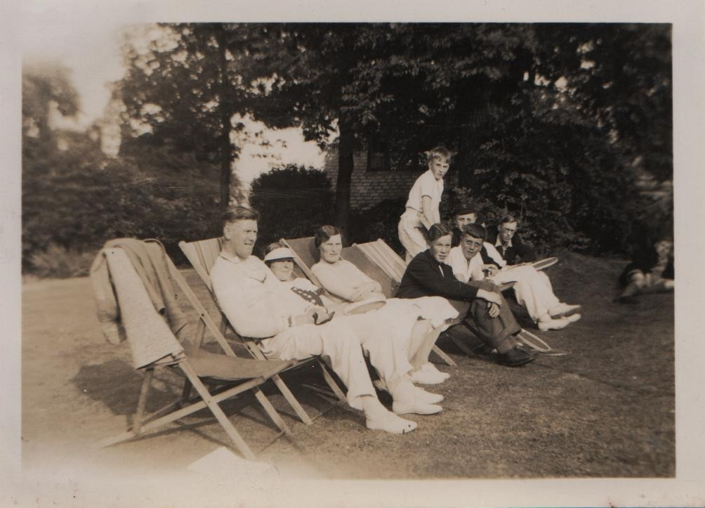 1936 David seated at far end; school holiday in Sheffield after David damaged his knee.