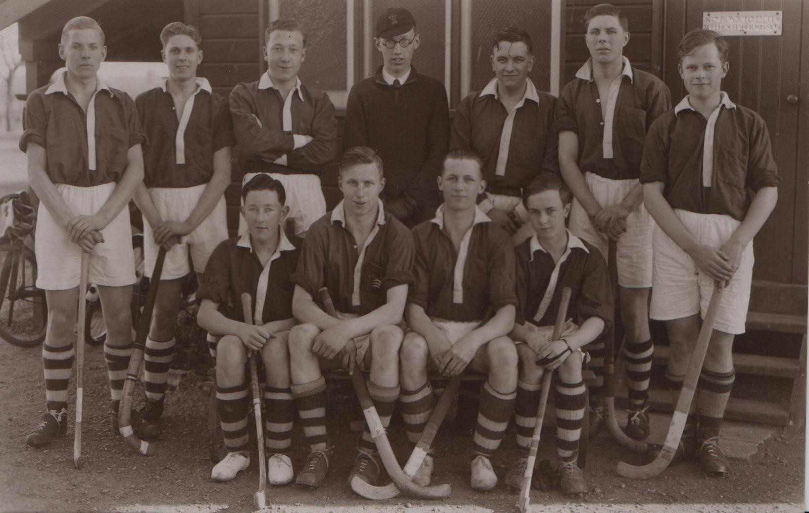 1937 Southend High School hockey 1st XI David middle, back row