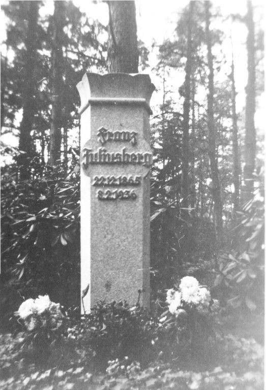 Franz's grave (location unknown but assumed to be Hamburg)