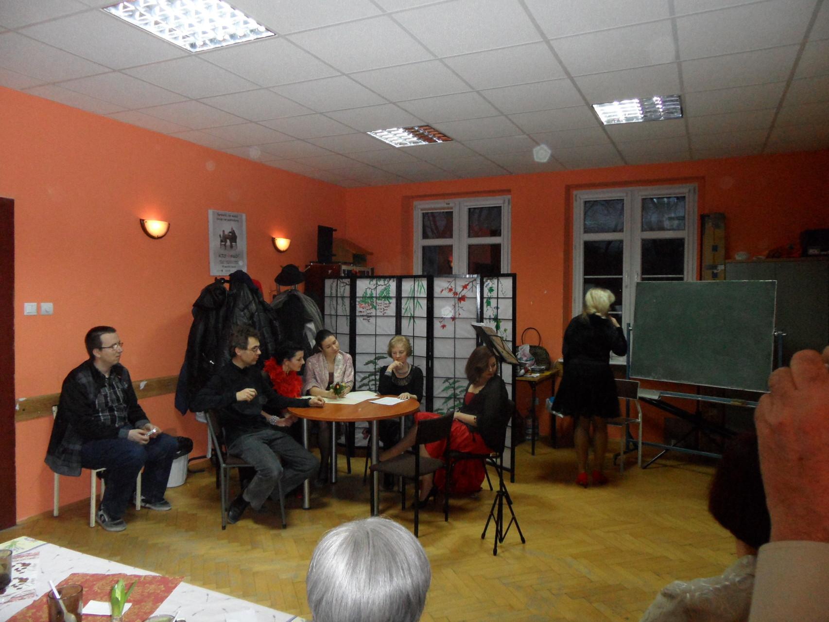 """Uroczysta zbiórka Kręgu """"Dęby"""" z okazji Dnia Kobiet / część artystyczna 10.3.2014"""