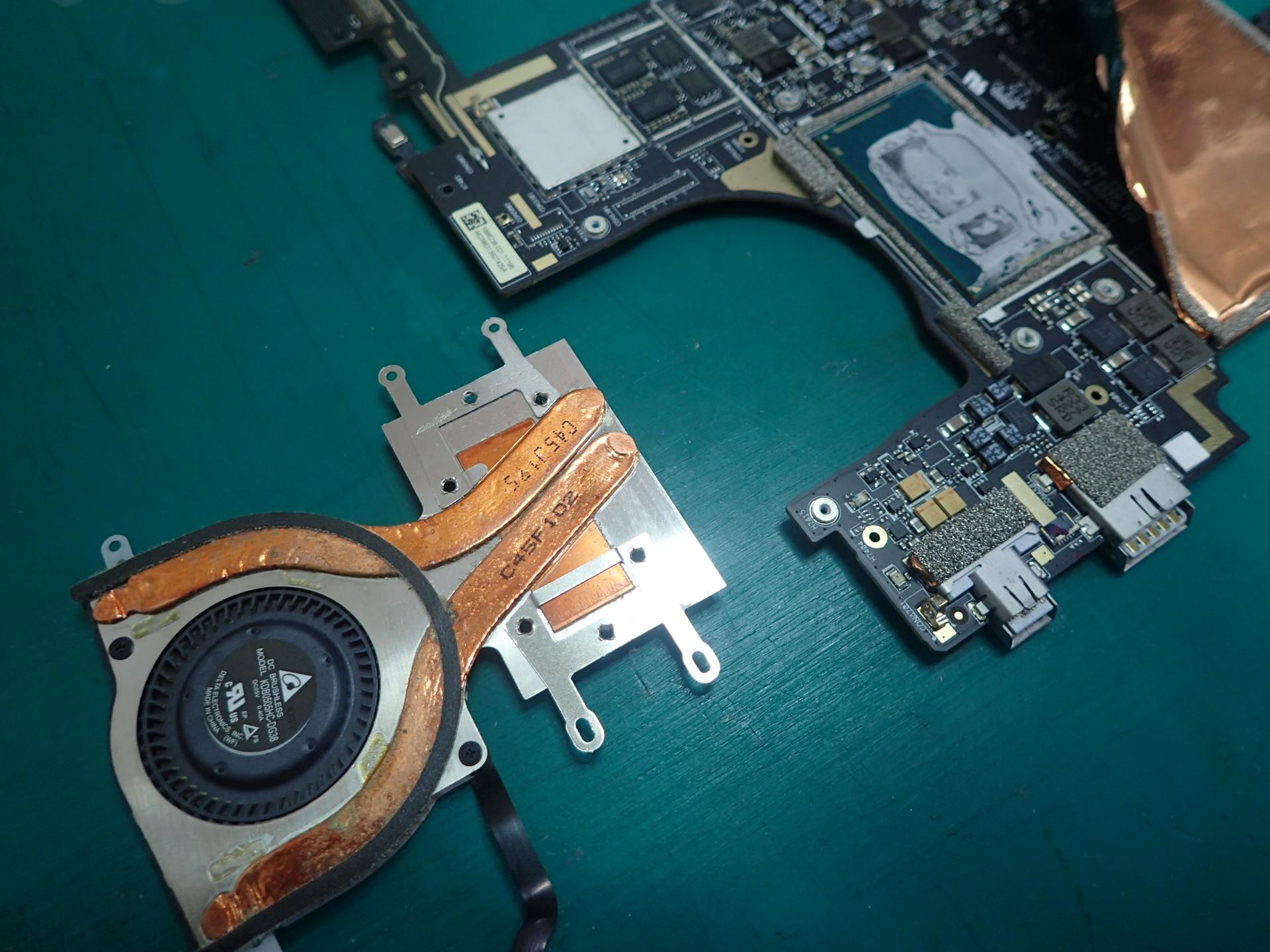 Surface PRO3冷却ファン交換修理