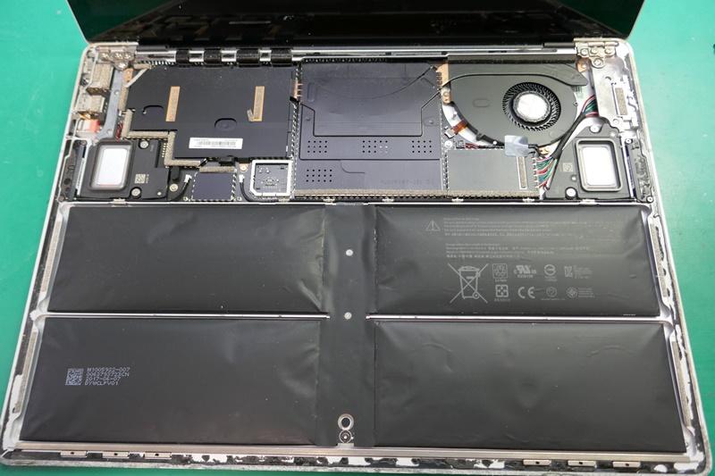 サーフェスLaptopバッテリー膨張の交換