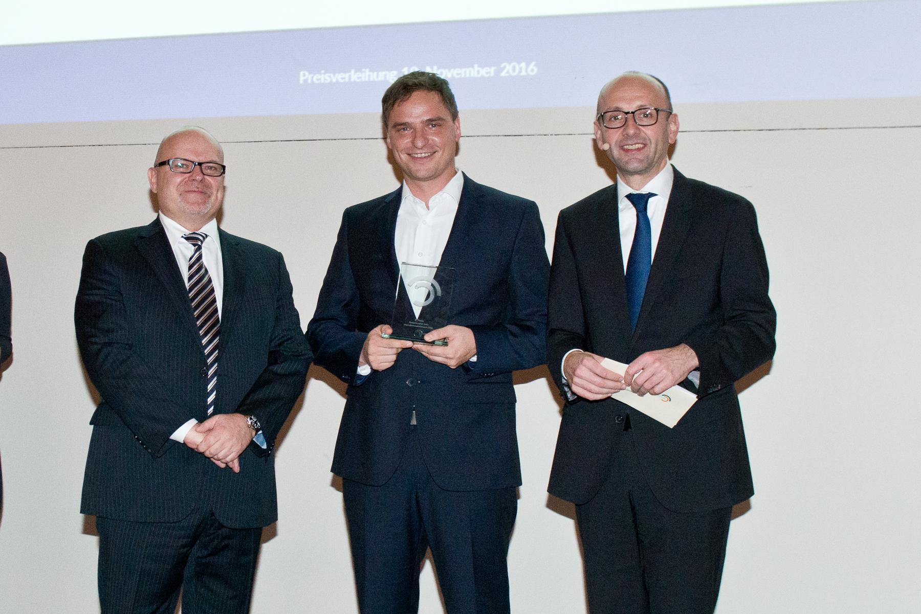 Dr Michael Jaffé, Adrian Hoffmann (2nd prize), Prof. Lucas F. Flöther