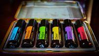 Ätherische Öle von YoungLiving und DoTerra - füllen wir auf Anfrage auch in 2ml ab