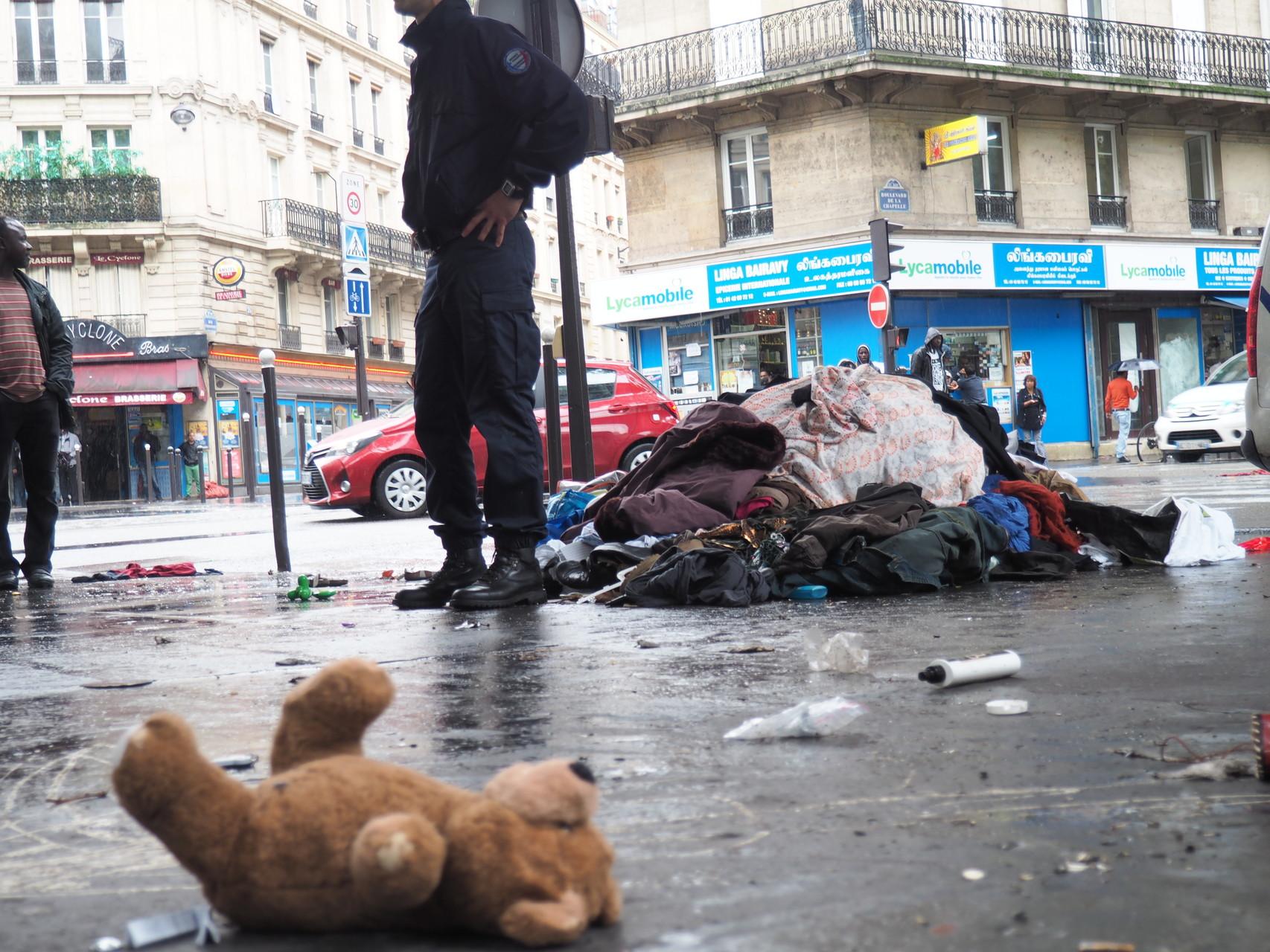 Les biffins laissent souvent leur marchandise sur place à l'arrivée des policiers