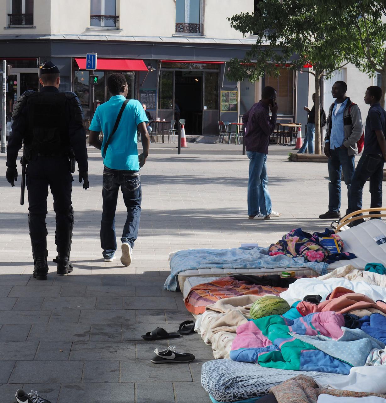 Ces migrants sont les oubliés de l'évacuation