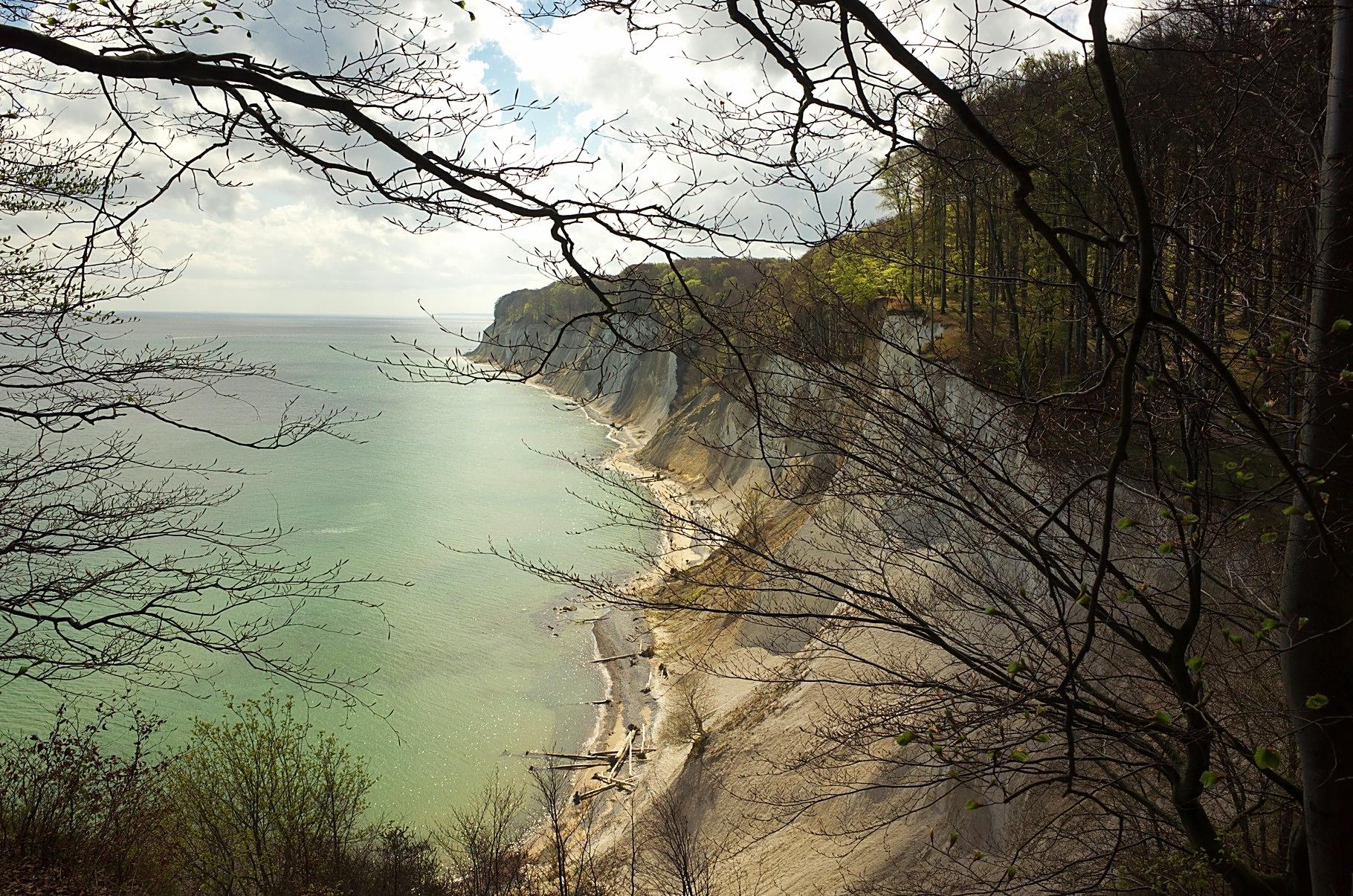 """Blick auf die Kreideküste im Nationalpark """"Jasmund"""" am 23.04.2016"""