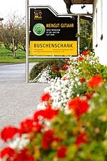 Der Buschenschank und das Weingut Gutjahr sind in der Katastralgemeinde Neurath beheimatet.