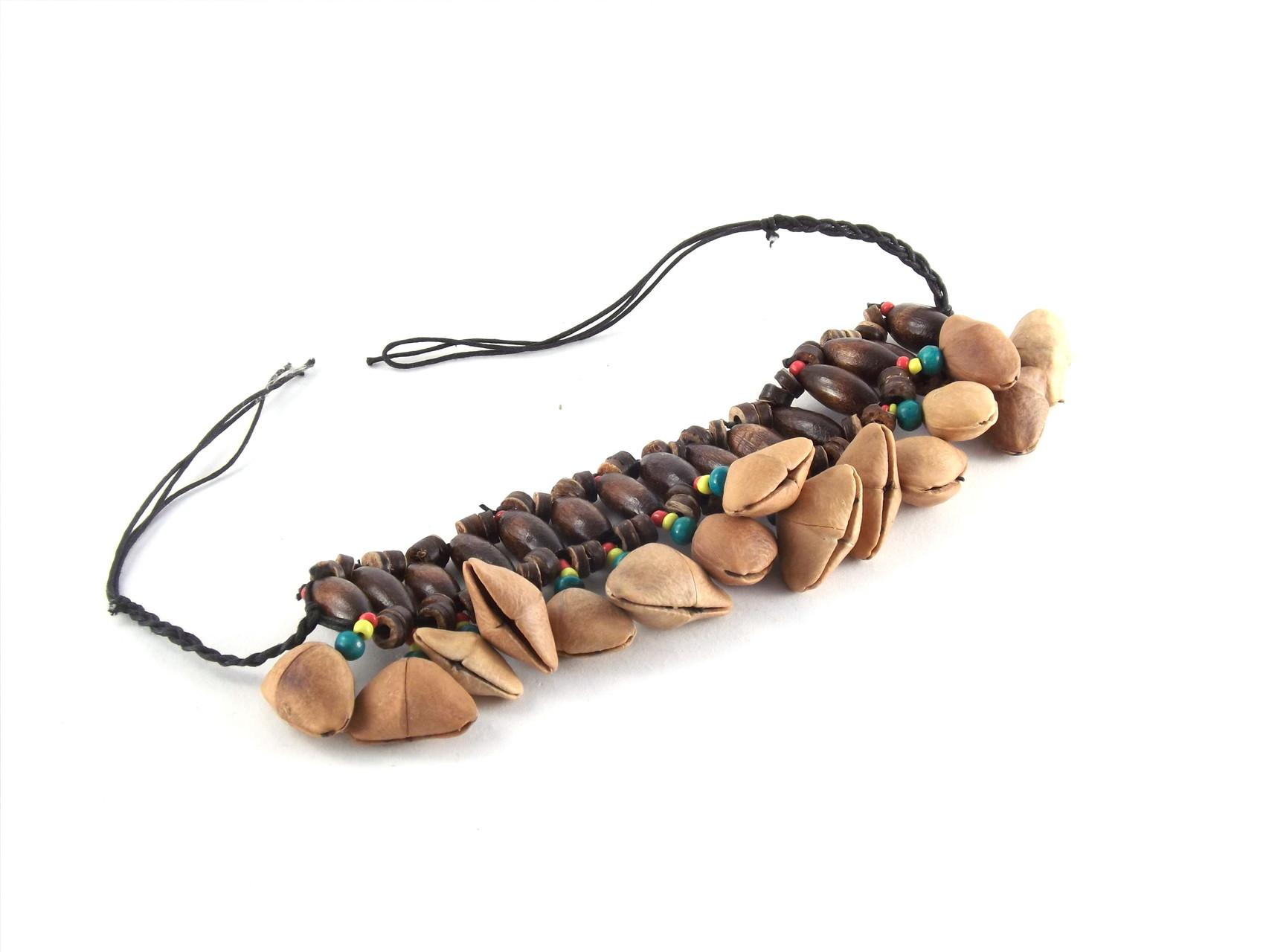 Bracelet graine et perle 6 €