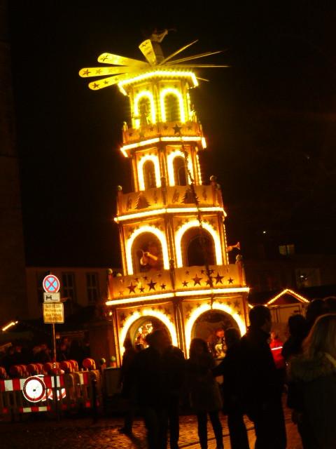 Das ist unsere Weihnachts-Pyramide auf dem historischen Weihnachtsmarkt zu Osnabrück