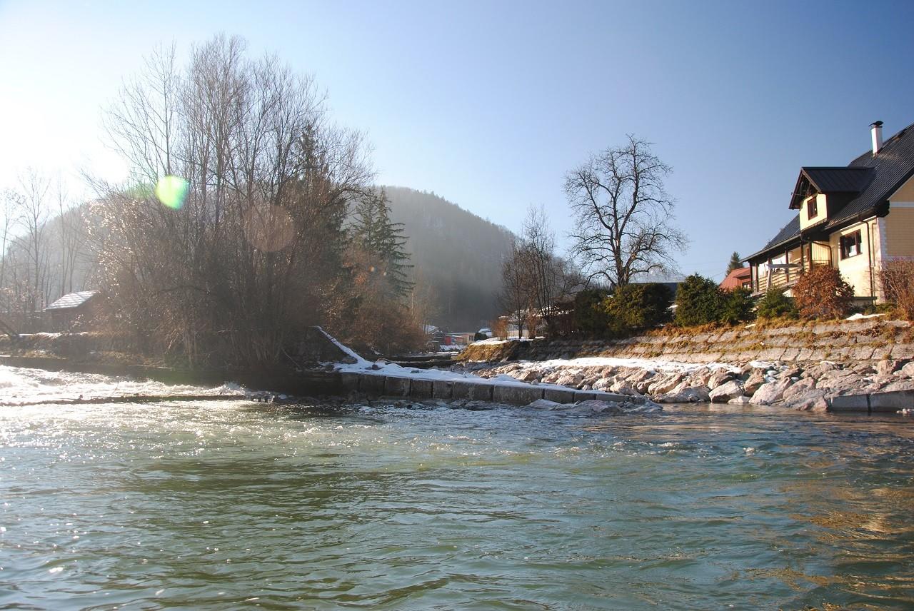 Unterlauf Weißenbachpolster mit Einmündung des Weißenbaches direkt unterhalb.