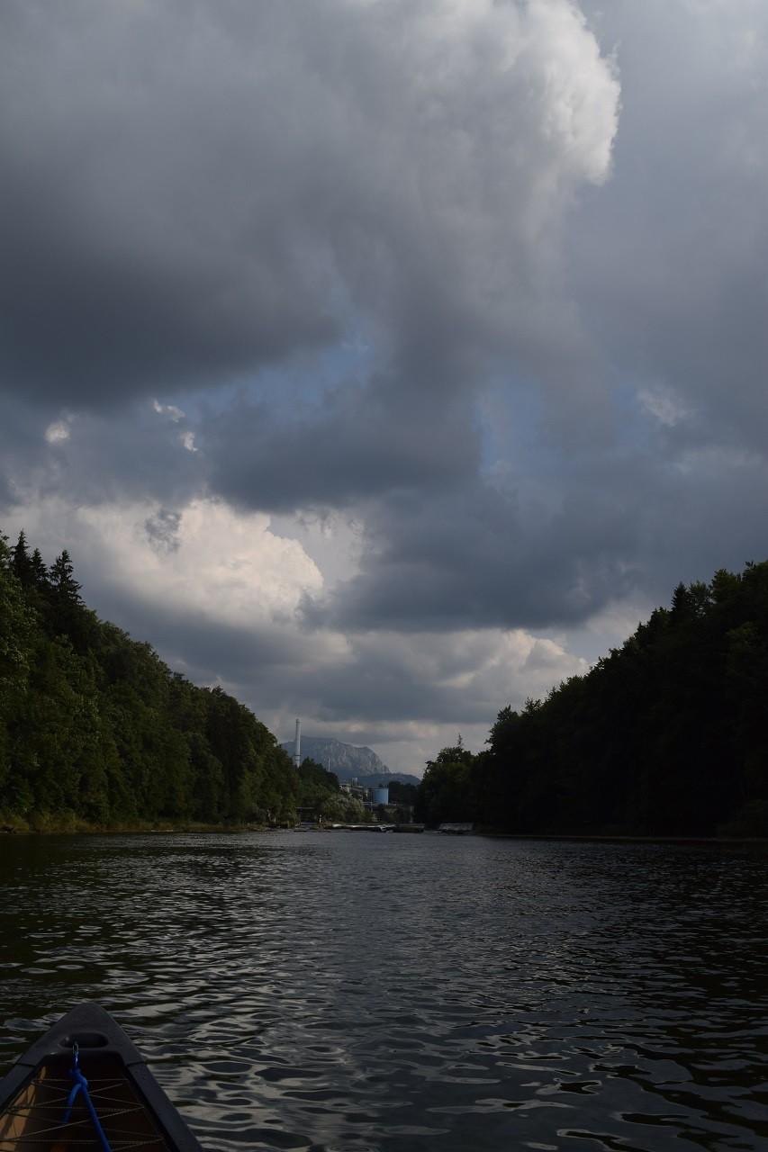 Styrermühl Blick Richtung Laakirchen mit dem Traunstein im Hintergrund.
