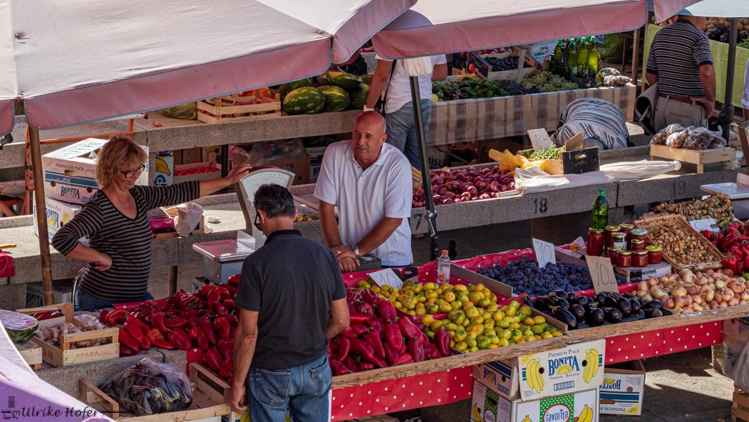 Gemüsemarkt in Sibenik