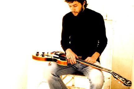 Abel Calzetta, músico,compositor, guitarrista