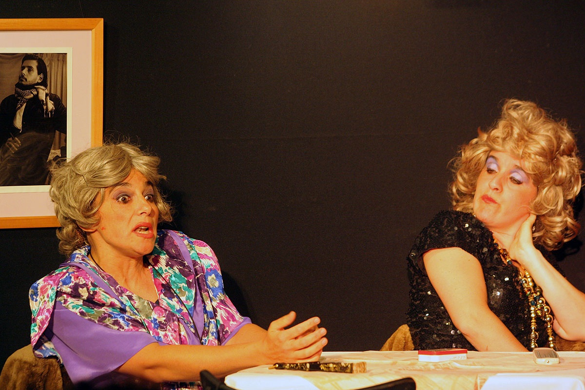 "Sandra Monteagudo y Jorgelina Balsa, Teatro (""Presentes Ausentes"")"