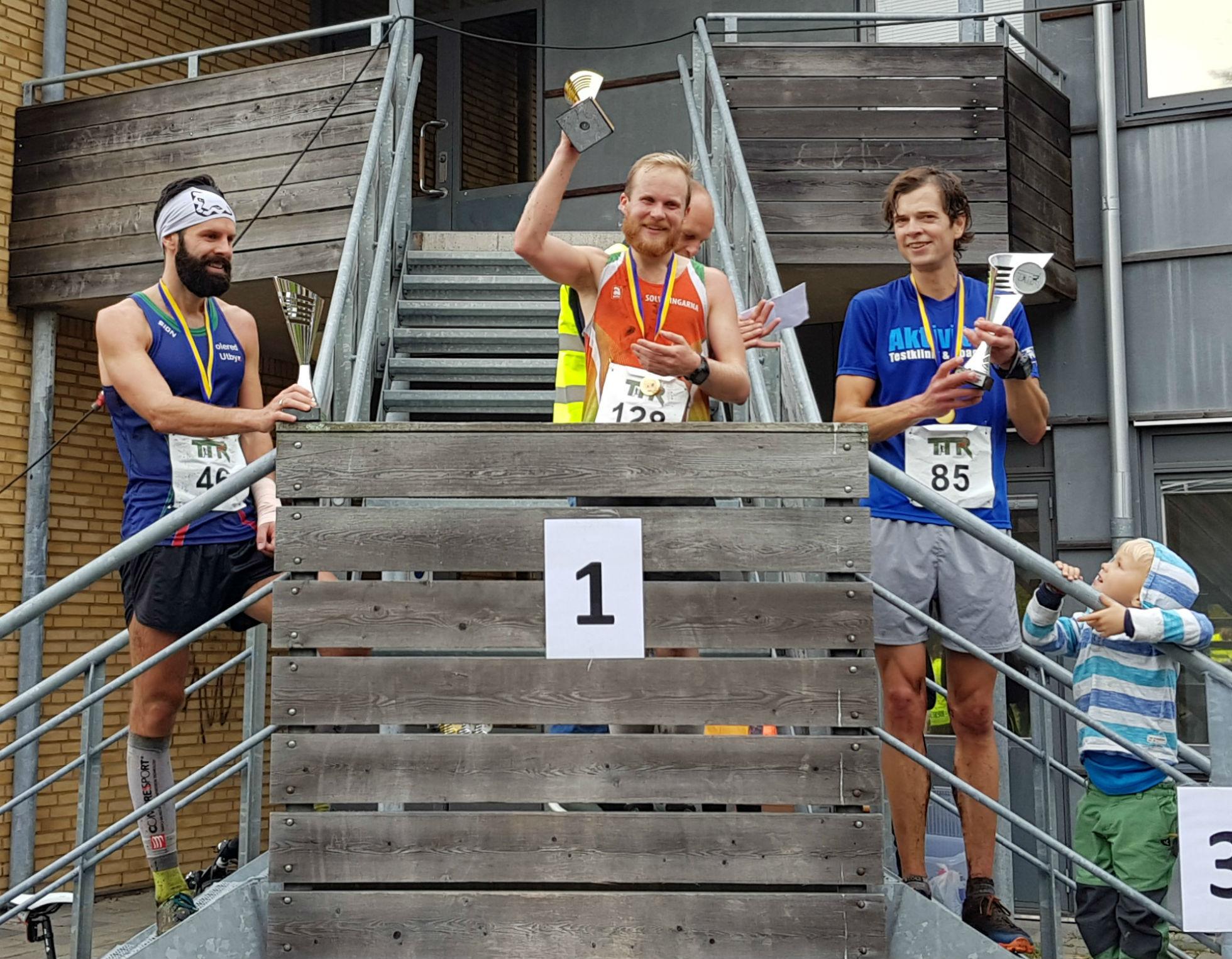 21,5km Herrar: 1:a Olle Dahlberg, 2:a Patrik Lindegårdh, 3:a Enar Andersson