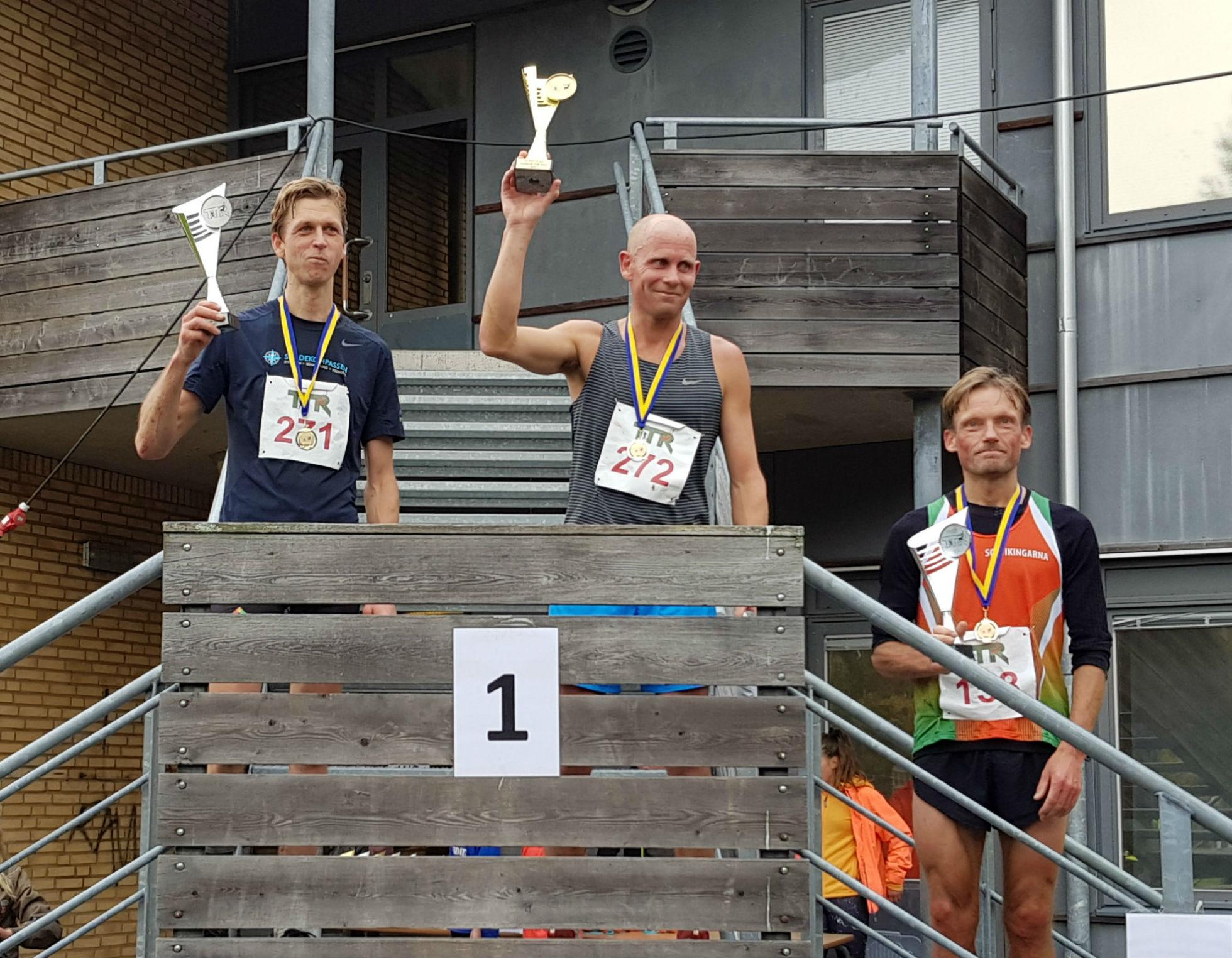 12km Herrar: 1:a Markus Bengtsson, 2:a Johannes Öhlin, 3:a Svante Lundgren