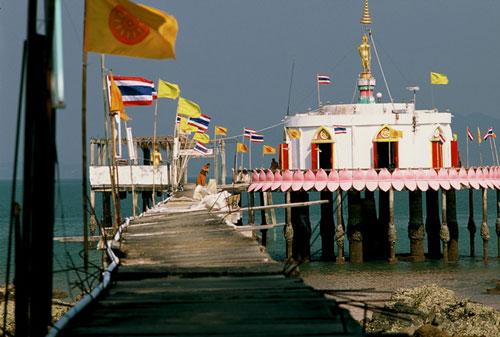 Pier beim Tempel