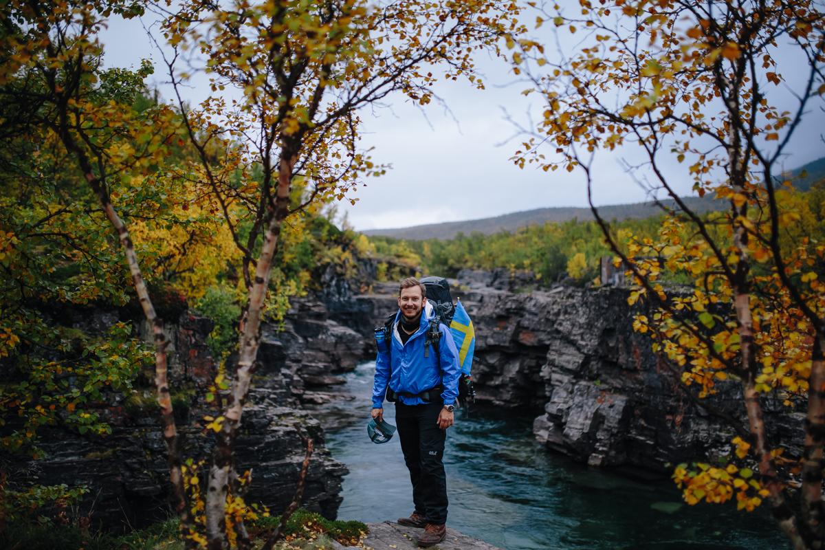Micha vor dem dem Fluss Abiskojåkka