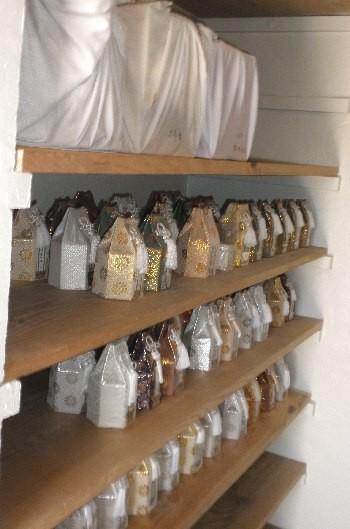 19.分骨:納骨堂内部の写真