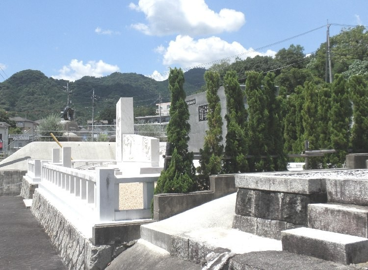 3.共同墓地1