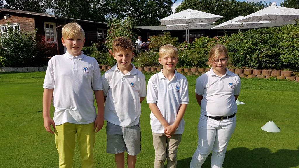 Unsere Teilnehmer am Talent-Cup (Bela, Noah, Enrico und Frieda)