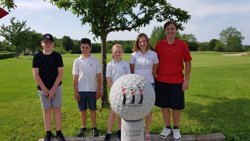 Unsere Mannschaft in Curau: Jarne, Ben, Rieke, Lisa und Jan.