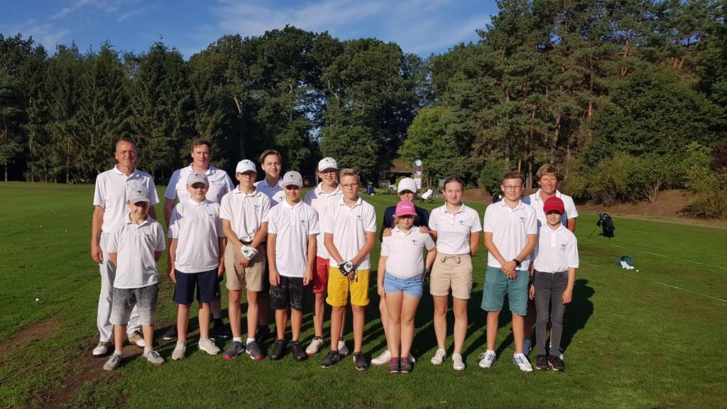 Jugend mit Coach-Team in Soltau
