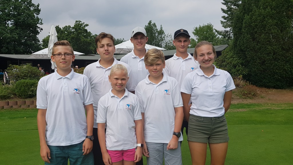 Unsere Mannschaft in Aukrug: Lars, Jan, Rieke, Julius, Jarne, Nick und Lisa