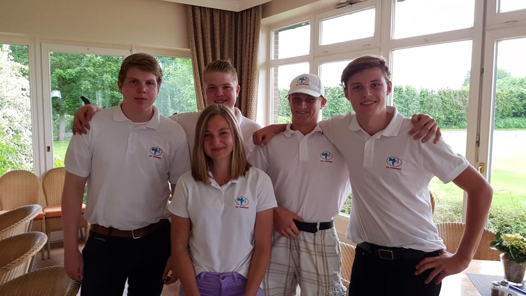 Unsere Mannschaft in Jersbek: Friedrich-Carl, Lisa, Max, Nick, Julius.