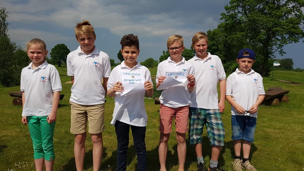 Unsere AK14-Mannschaft in Grömitz: Rieke, Caspar, Ben, Christian, Mika und Noah (Ella fehlt auf dem Foto)