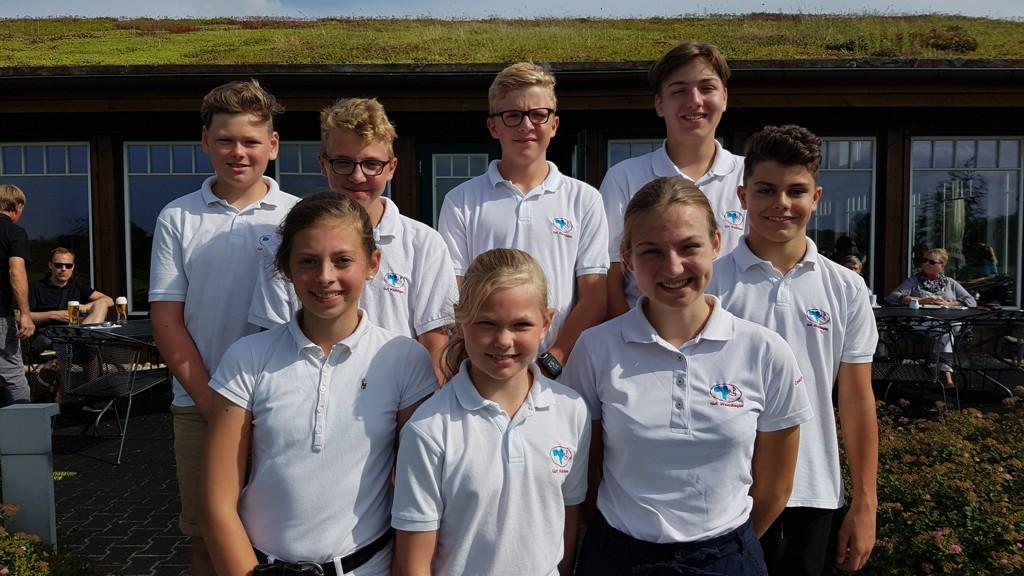 Unsere Mannschaft in Waldshagen (von hinten links nach vorne rechts): Jarne, Caspar, Christian, Jan , Ella, Rieke, Lisa, Ben (Rieke und Ben waren Ersatzspieler)