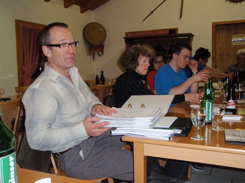 Gemeindepräsident Markus Schwizer klärt uns über die Zusammenhänge in der Regionalplanung auf.