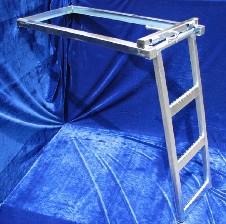 Лестницы выдвижная 3-х ступенчатая - цена 2200 руб./шт