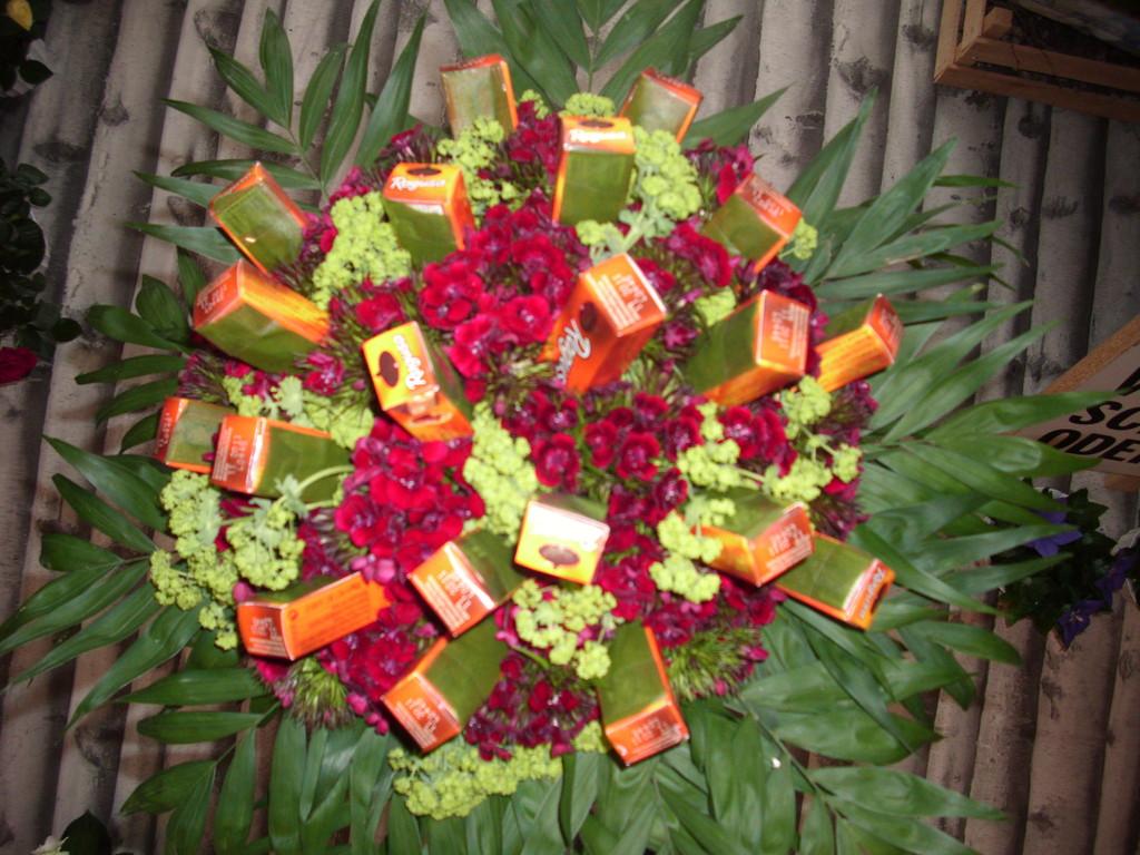 Immer  wieder beliebt Ragusa  Strauss ca.60Fr.inklusive Ragusa je nach Blumen
