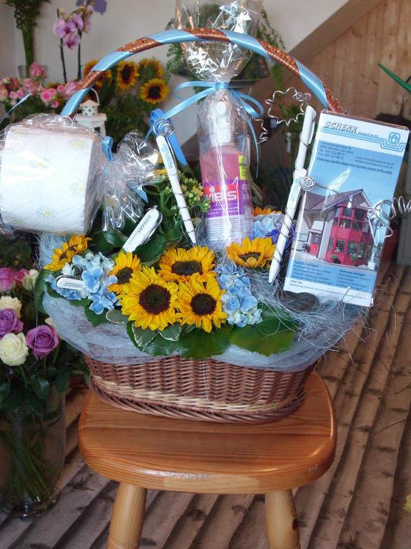 für Sanitär Schenk für eine Aufrichtung mit Sanitär  Werbungsgeschenke ca60Fr  Blumen-Deko