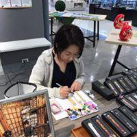 松井本和蝋燭工房のデザイナー絵師