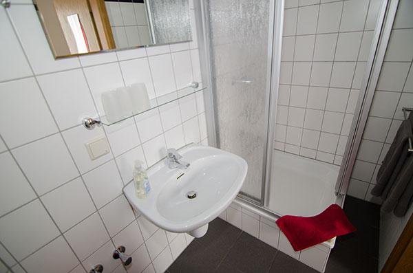 """Unsere Zimmer - Pension """"Regina"""" in Gotha, Thüringen"""