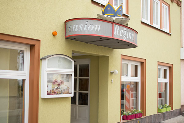 "Eingang - Pension ""Regina"" in Gotha, Thüringen"