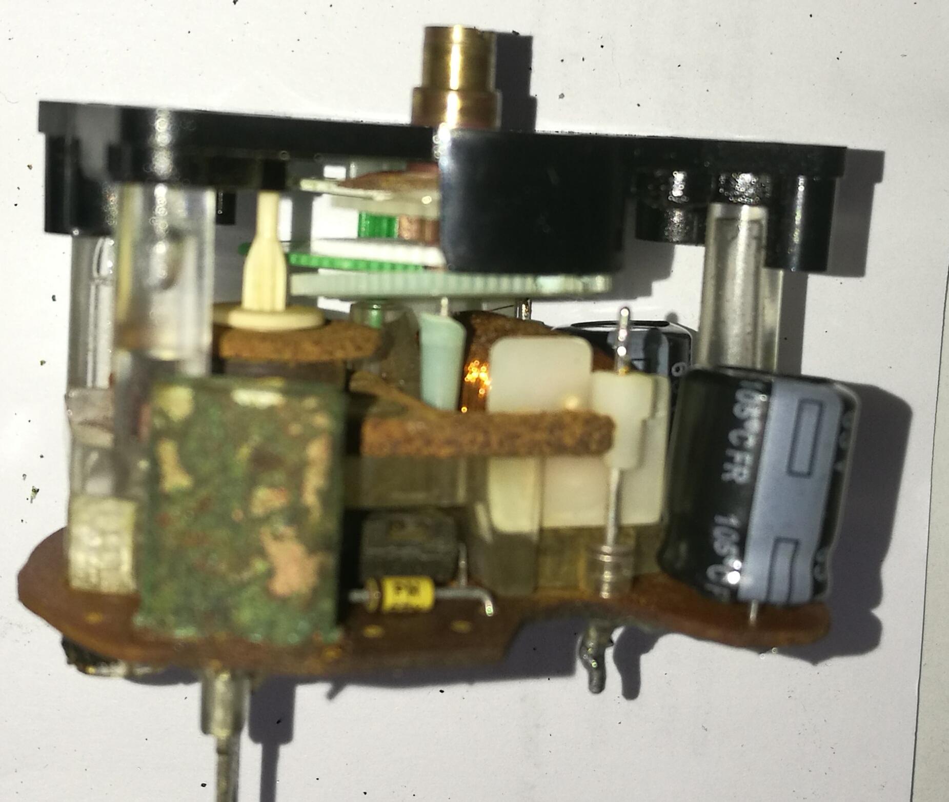 beschädigte Elektronik ( Salzwasser in Bootsuhr eingedrungen)