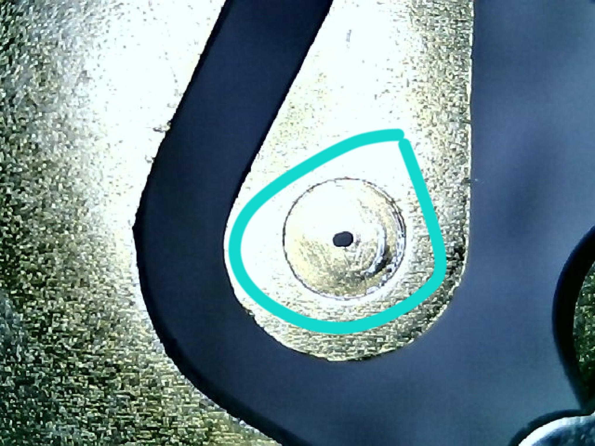 ausgeschlagenes Lager einer MB 190SL Uhr