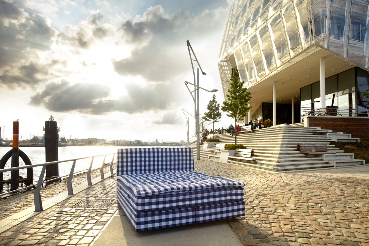 der wohl beste schlaf der hansestadt h stens store hamburg. Black Bedroom Furniture Sets. Home Design Ideas