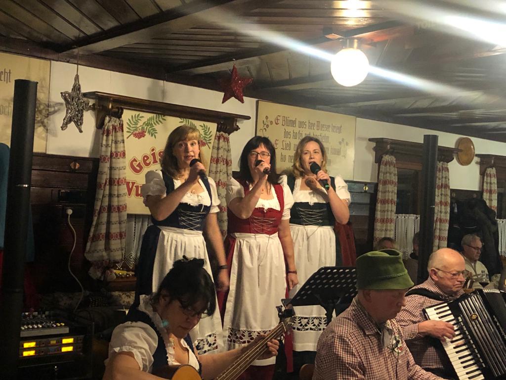 """Weihnachtsveranstaltung in der Waldschänke """"Altes Raupennest"""""""